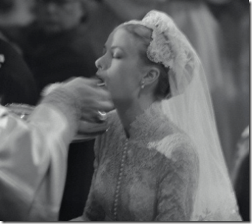 Princess Grace Kelly receives Holy Communion